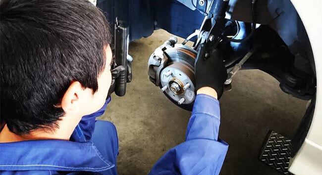 藤本産業のガソリンスタンドのカーサービスステーションのサービス内容は灯油配達や車内クリーニングやTカードやレンタカーや車検整備や中古車販売